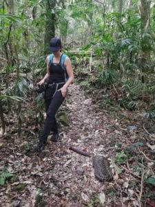 Wanderung mit Schlangen.