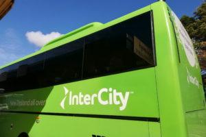 Busfahren in Neuseeland mit Intercity